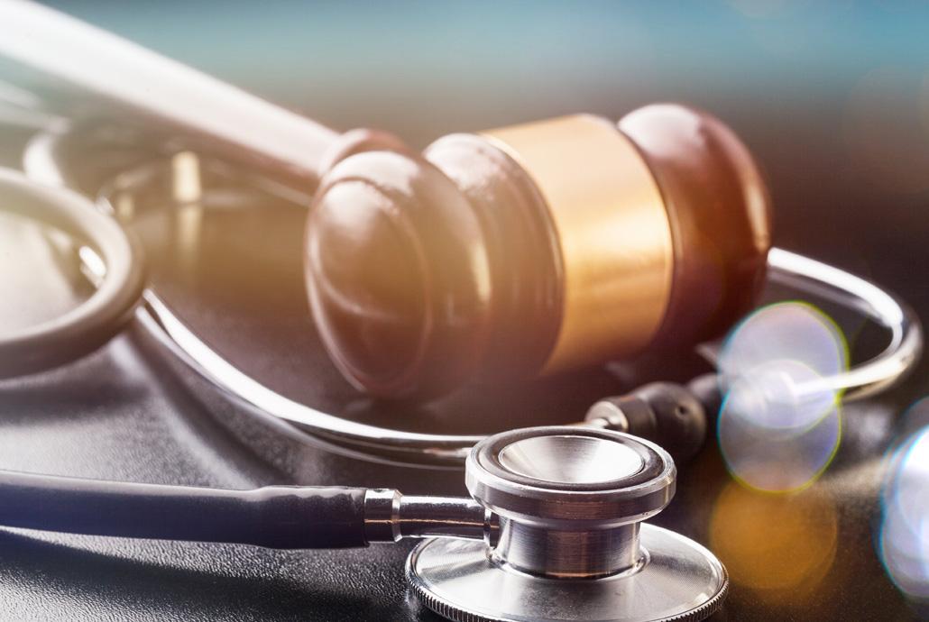 Une équipe d'experts juridiques spécialisés en santé.